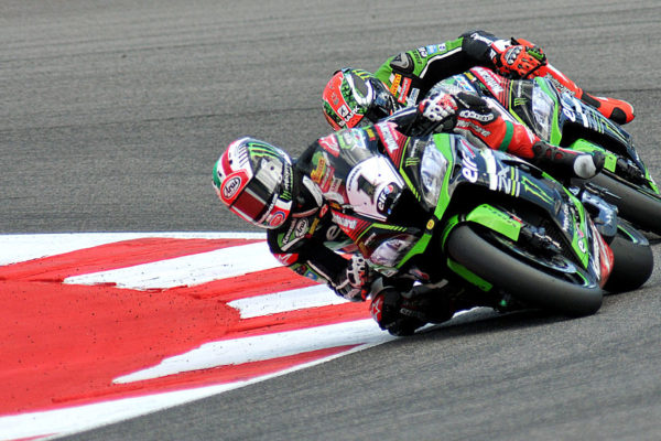 MISANO ADRIATICO, ITALY - JUNE 18: Jonathan Rea of Great Britain leads the field during the Race 1 during the FIM Superbike World Championship - Qualifying at Misano World Circuit on June 18, 2016 in Misano Adriatico, Italy. (Photo by Mirco Lazzari gp/Getty Images)